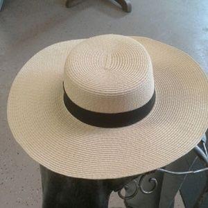 Broad brimmed hat